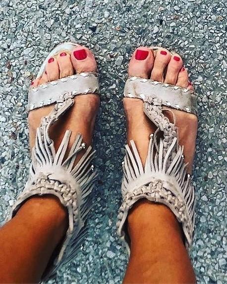 Jenni-Falconer-Feet-13ed2e911f35fd97e1.jpg