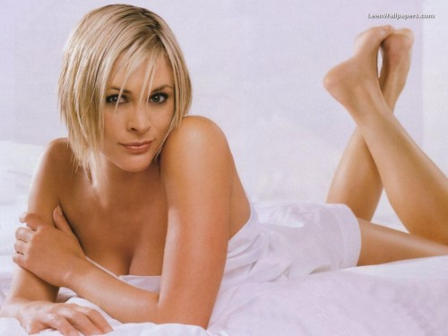 Jenni-Falconer-Feet-41aaa75cba13558ce.jpg