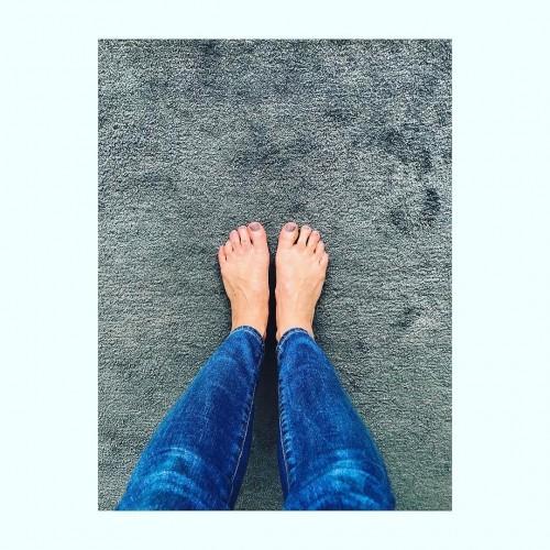 Jenni-Falconer-Feet-761d25ae9a1c74317.jpg