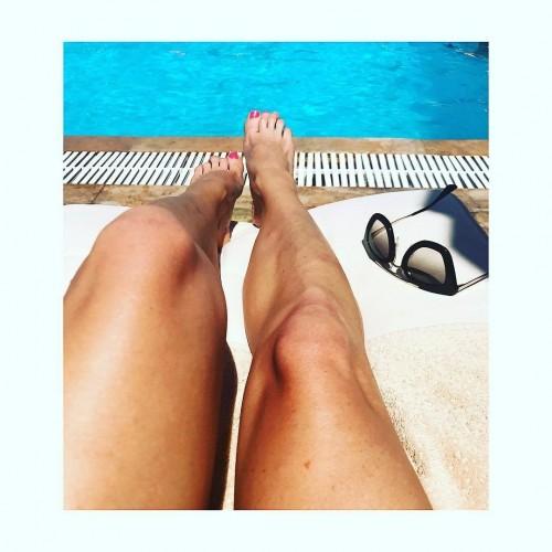 Jenni-Falconer-Feet-8c9237ad6f1a86f98.jpg