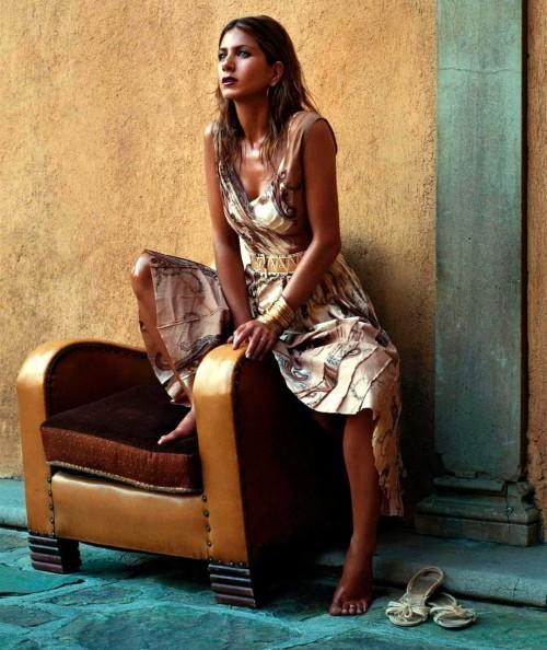 Jennifer-Anistons-Feet-349af5fa09f91edabf.jpg
