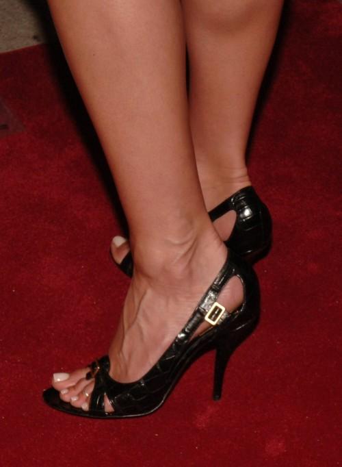 Jennifer-Anistons-Feet-376a2024f2424237aa.jpg