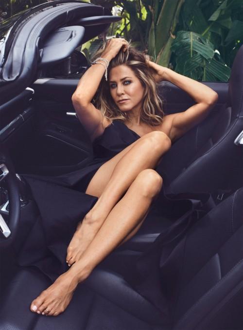 Jennifer-Anistons-Feet-55ddaccc8edf946cae.jpg