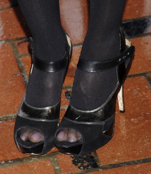 Jennifer-Beals-Feet-232402a7e0af0f720.jpg