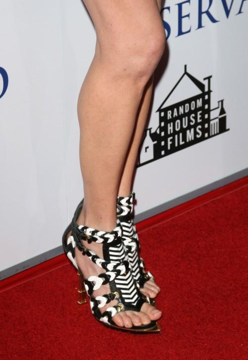 Jennifer-Connellys-Feet-20f142c0ac7bbe5eb0.jpg