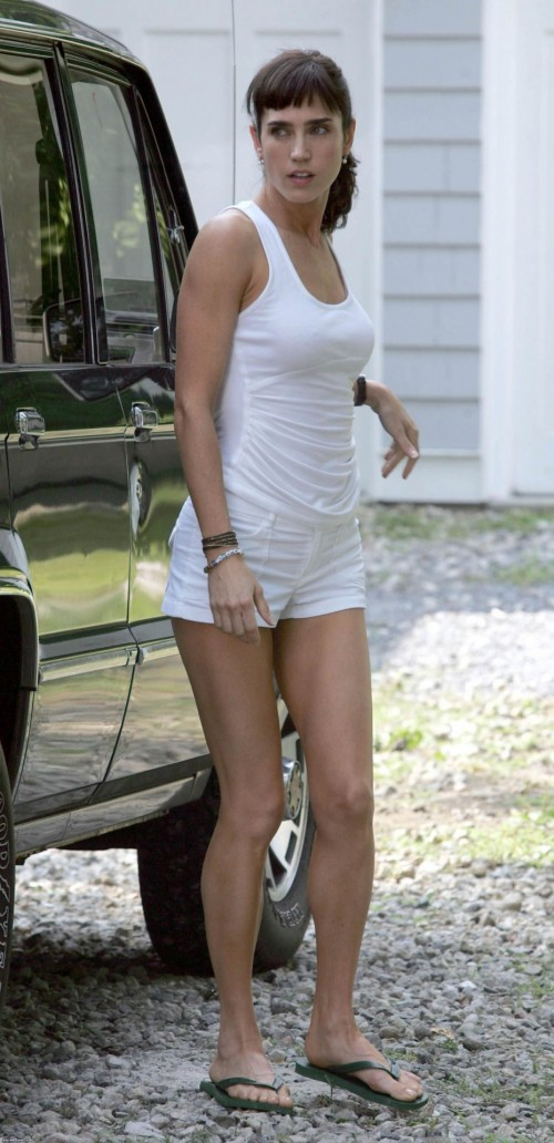 Jennifer-Connellys-Feet-27687dfe450caf6ba7.jpg