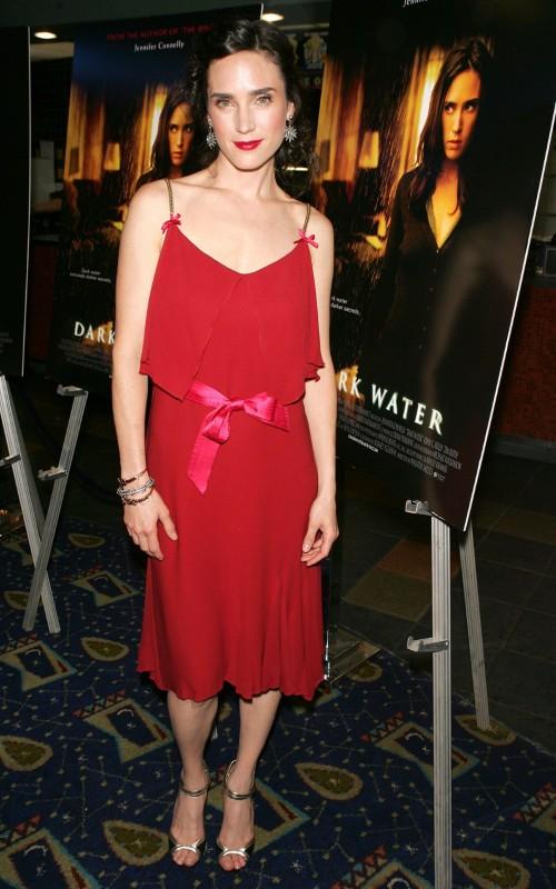 Jennifer-Connellys-Feet-296150eaa10513c45f.jpg