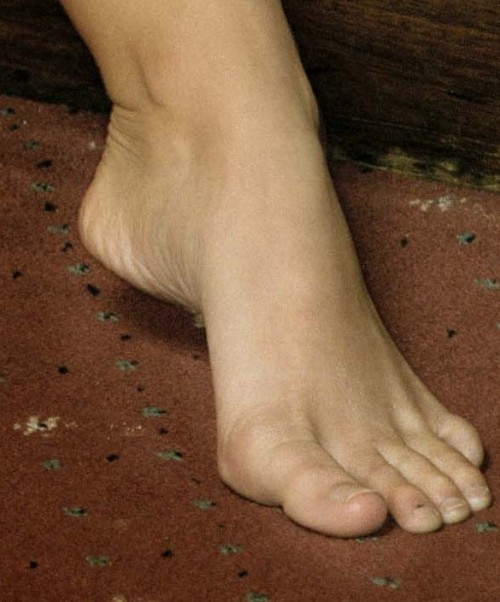 Jennifer-Ellison-Feet-16478810e4dc40483e.jpg