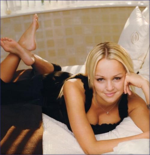 Jennifer-Ellison-Feet-58758938cf5596a50.jpg