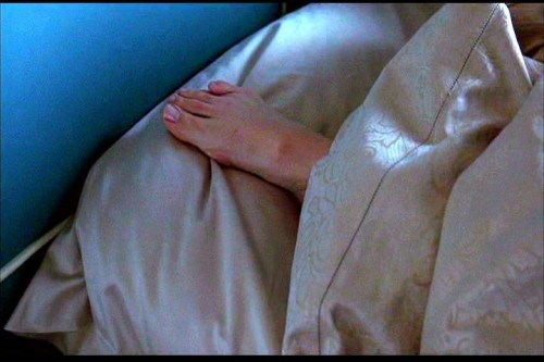 Jennifer-Garner-Barefoot-3369bb3ce051ade5d.jpg