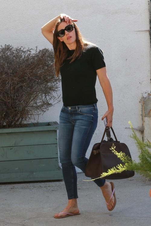 Jennifer-Garner-Feet-133423886ed0966081.jpg