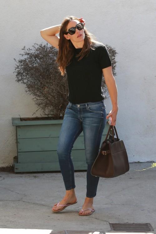 Jennifer-Garner-Feet-148a5e4143e2610c7f.jpg