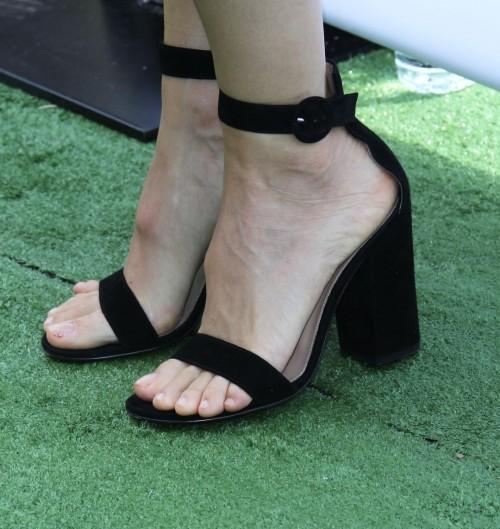 Jennifer-Garner-Feet-158b1252e8e31ea704.jpg