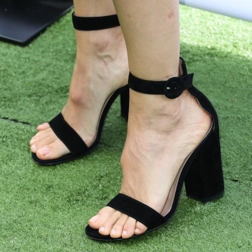 Jennifer-Garner-Feet-17373633aa62cc2567.jpg