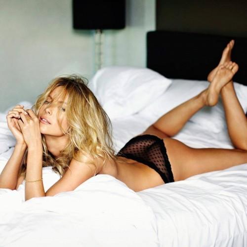 Jennifer-Hawkins-Feet-3d685aeb95cf7ce67.jpg
