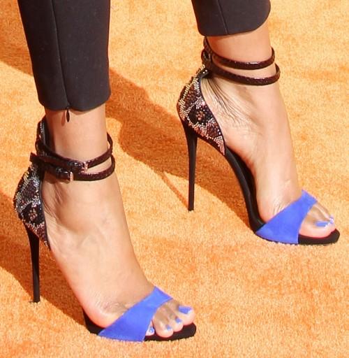 Jennifer-Hudson-Feet-38a173877cc4758b5.jpg