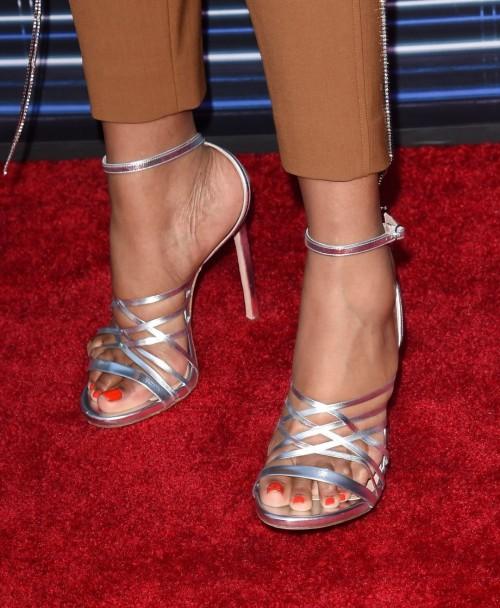 Jennifer-Hudson-Feet-9c189ec93db9d0e26.jpg