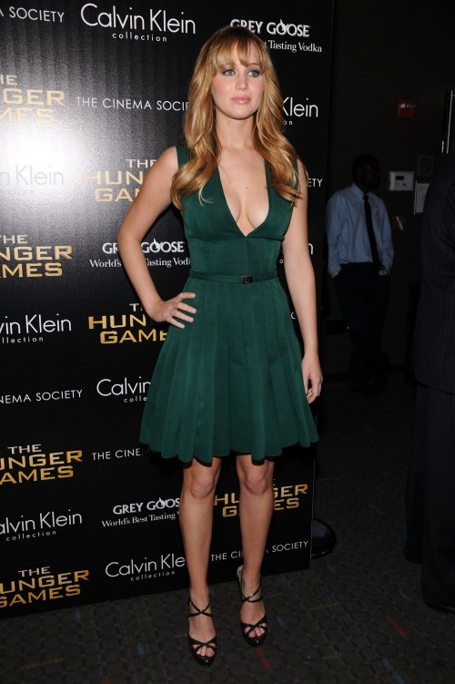 Jennifer-Lawrence-Feet-1078aa2ba70e9a01f66.jpg