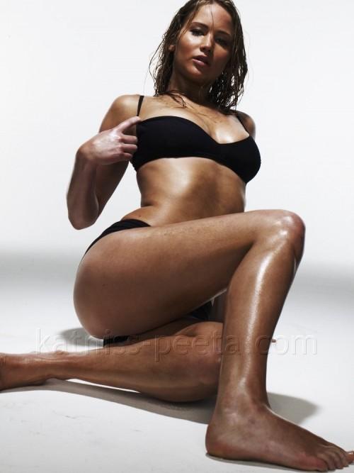 Jennifer-Lawrence-Feet-12626856823a363714b.jpg