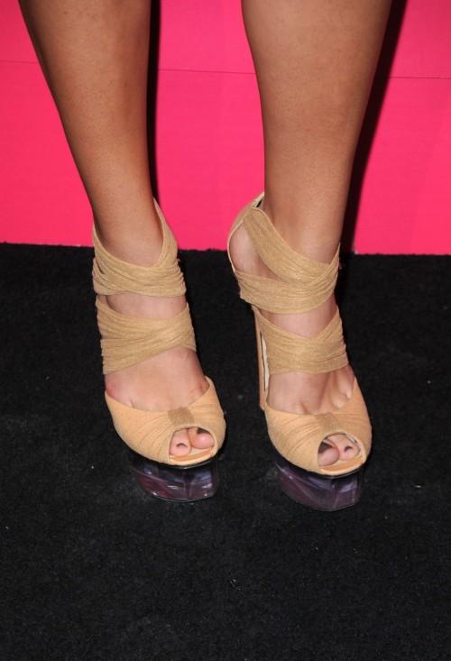 Jennifer-Lopez-Feet-2289915a4988d2c68d.jpg