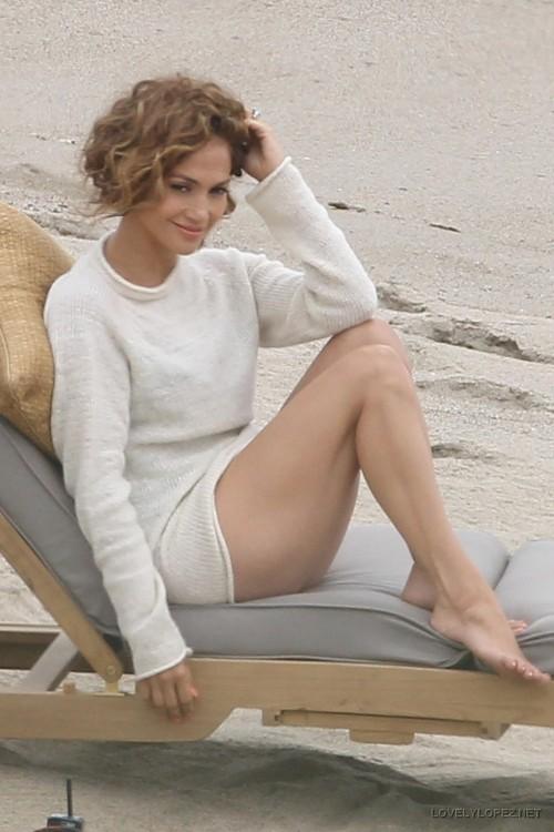 Jennifer-Lopez-Feet-262cb052d9aa2019ad.jpg