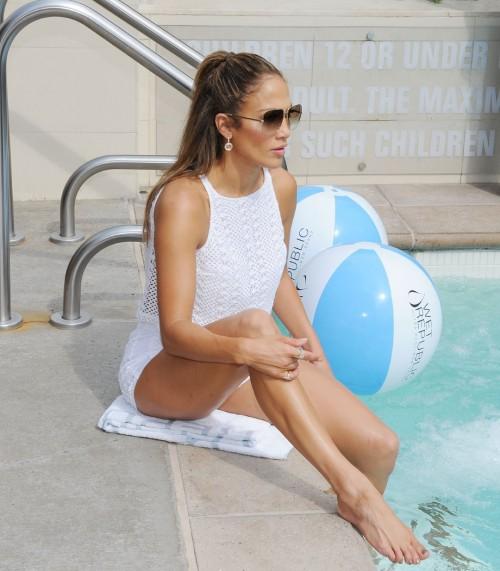 Jennifer-Lopez-Feet-3744bf1265254b6f4b.jpg