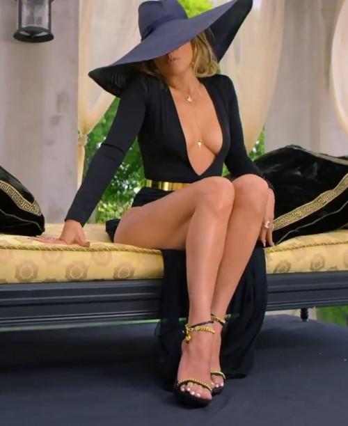 Jennifer-Lopez-Feet-40b4310974aa53fa47.jpg