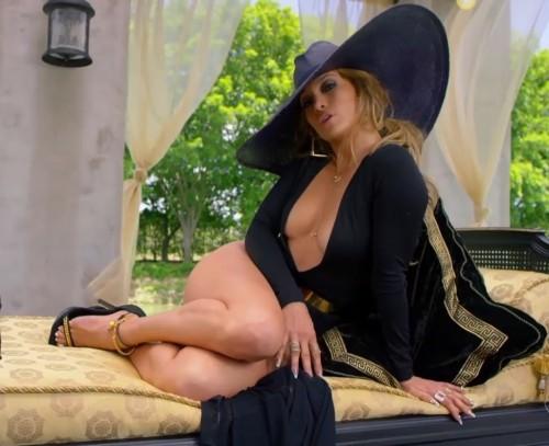 Jennifer-Lopez-Feet-41240a237ac2f56683.jpg