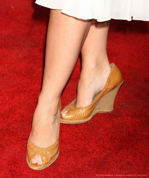 Jennifer-Love-Hewitt-Feet-11eac230e16f960ccc.jpg
