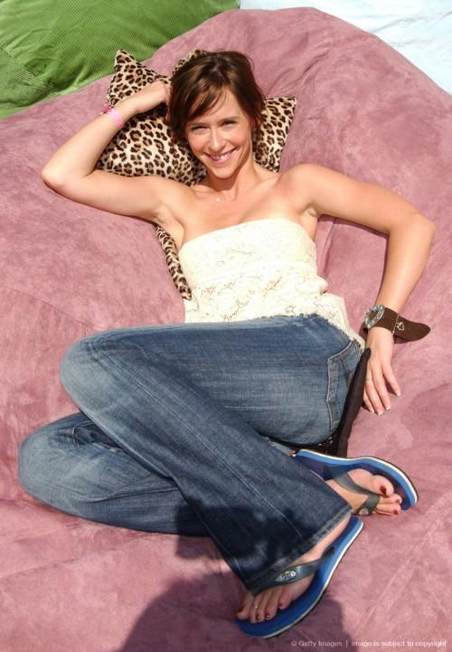 Jennifer-Love-Hewitt-Feet-14f9cfacef5da724aa.jpg