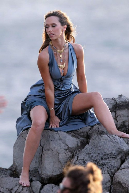 Jennifer-Love-Hewitt-Feet-186ada8acc74eee78c.jpg