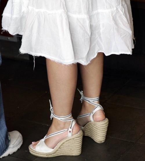 Jennifer-Love-Hewitt-Feet-213fd76cf67f5ddcd6.jpg