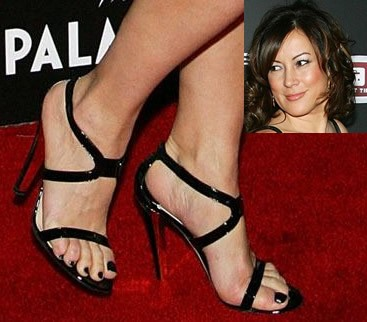 Jennifer-Tilly-Feet-8ef4c14a0111e7eb8.jpg