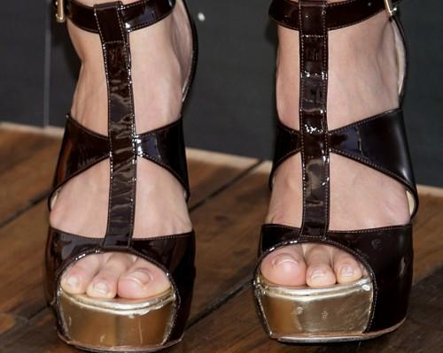 Jessica-Albas-Feet-264d21a2b10b3c8dd2.jpg