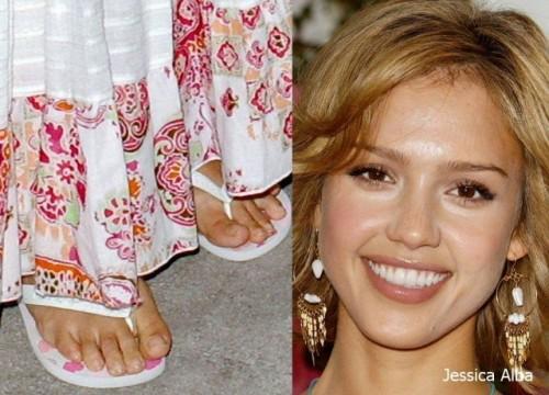 Jessica-Albas-Feet-3582dce121cca9cb9e.jpg