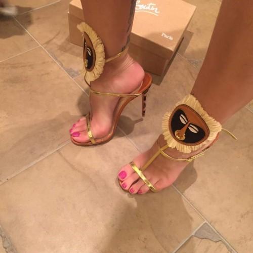 Jodie-Marsh-Feet-82fd624a820344b36.jpg