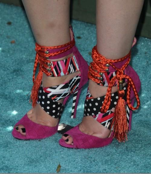 Jodie-Sweetin-Feet-11a64323e8ccf16173.jpg