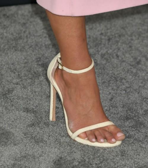 Jordana-Brewsters-Feet-105a37f5facb7887d0.jpg