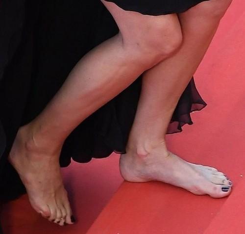 Julia-Roberts-Feet-591ba43b9c7e0e06e.jpg