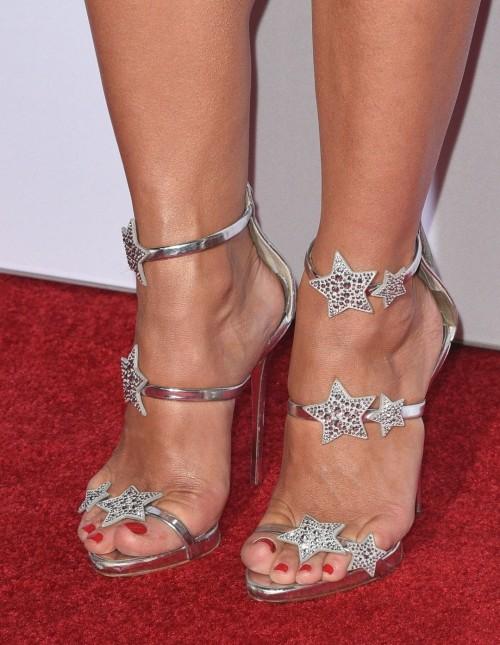 Julianne-Hough-Feet-317c691a63bb6f6cd0.jpg
