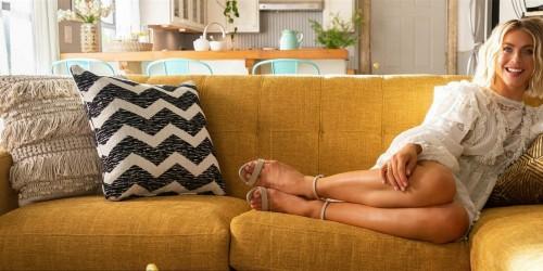 Julianne-Hough-Feet-32fa0988ca28bd682c.jpg