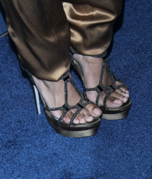 Kat-Graham-Feet-11021703aa45c8cff7.jpg