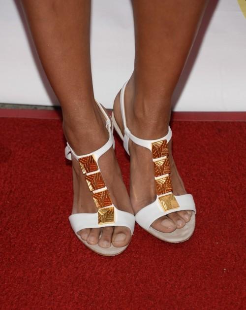 Kat-Graham-Feet-45f5836813ccc6d96.jpg