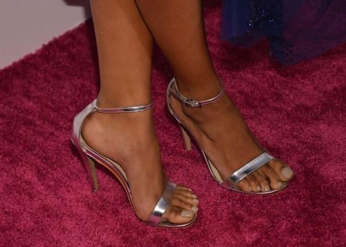 Kat-Graham-Feet-5b6e9bc37254c9411.jpg