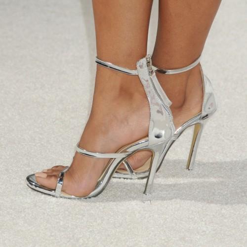 Kat-Graham-Feet-9af17968656353e8a.jpg