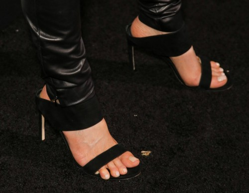 Kate-Beckinsale-Feet-12e164a5b213bdefc1.jpg