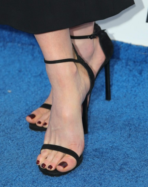 Kate-Beckinsale-Feet-18a12abea6f4d57b55.jpg