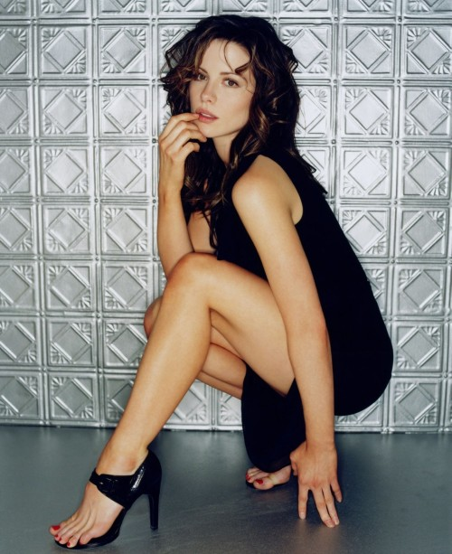 Kate-Beckinsale-Feet-229737b34a2ef056fb.jpg