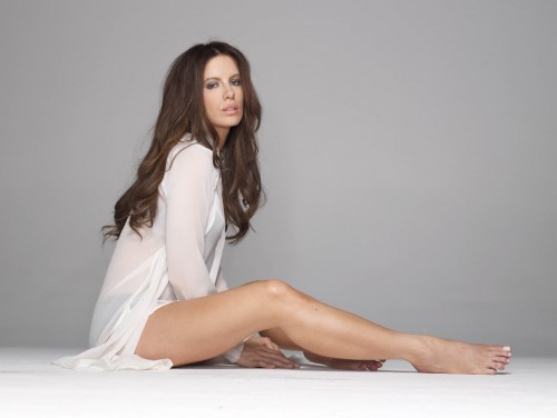Kate-Beckinsale-Feet-4dbc15a1ca197411d.jpg