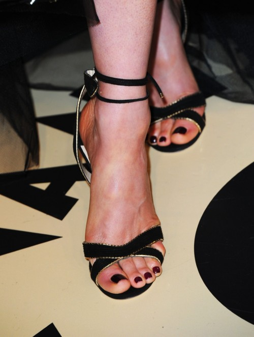 Kate-Beckinsale-Toes-11a8e96d8785dd535.jpg